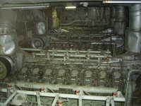 RIMG0317-主機関_4台で1軸を駆動.jpg