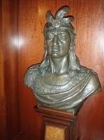 busto de Cuauhtemoc.jpg