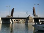 puente basculante de Sevilla.jpg